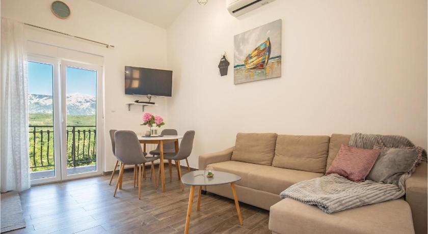 One-Bedroom Apartment in Krstatice