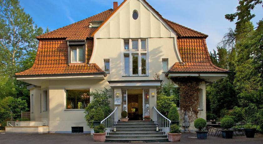 Best time to travel Dusseldorf Hotel Villa Meererbusch