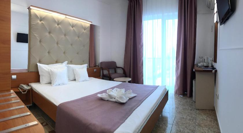 Standard Double or Twin Room 3* 호텔 모던 (Hotel Modern)