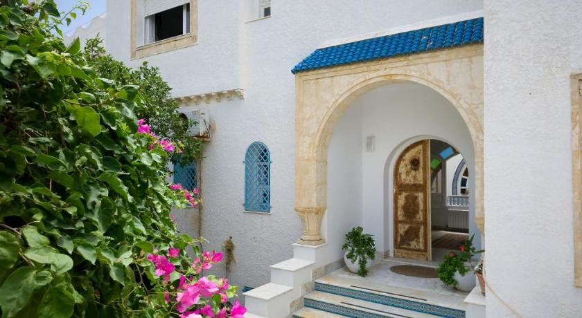 Best time to travel La Goulette Villa Phoenicia