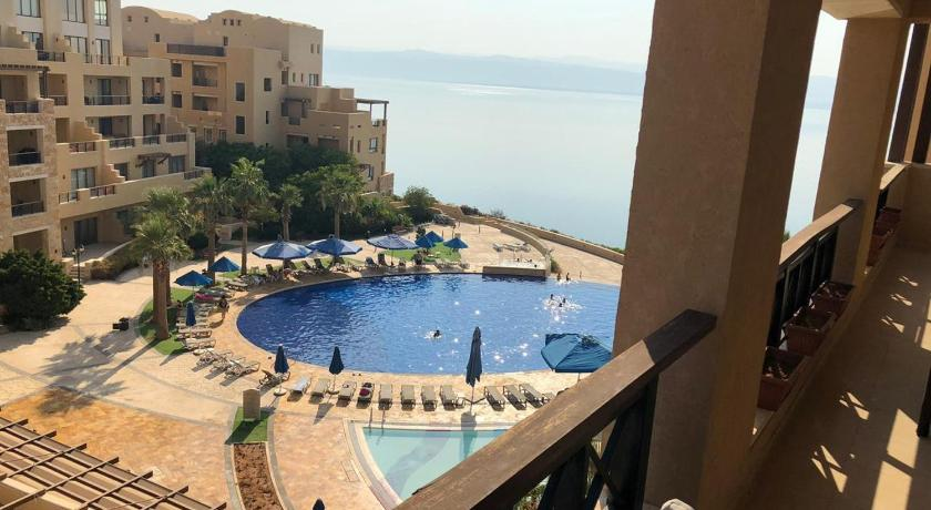Best time to travel Madaba Apartment for rent in samarah resort , dead sea