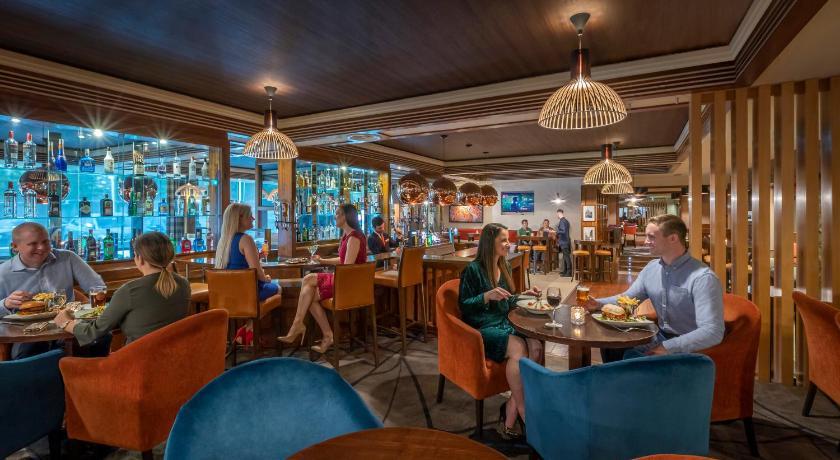 Saltwater Bar & Grill   Galway Bay Golf Resort