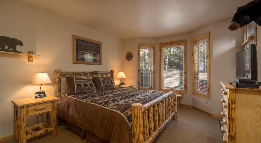 Jackpine 9-Sunriver Vacation Rentals by Sunset Lodging