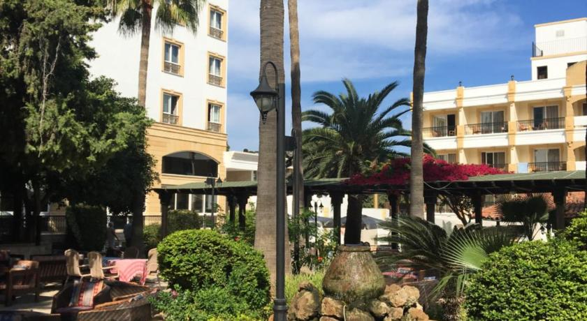 Best time to travel Cyprus Hotel Pia Bella