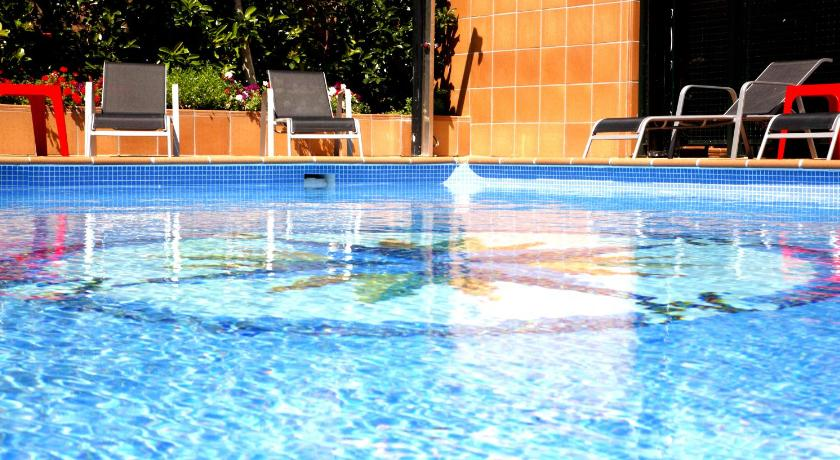 Apartamentos Vilassar & Swimming pool
