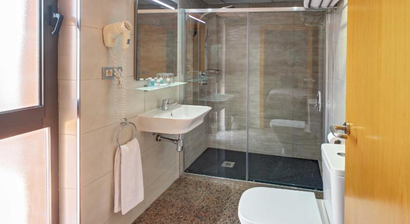 Hotel Nuevo Triunfo - Barcelona