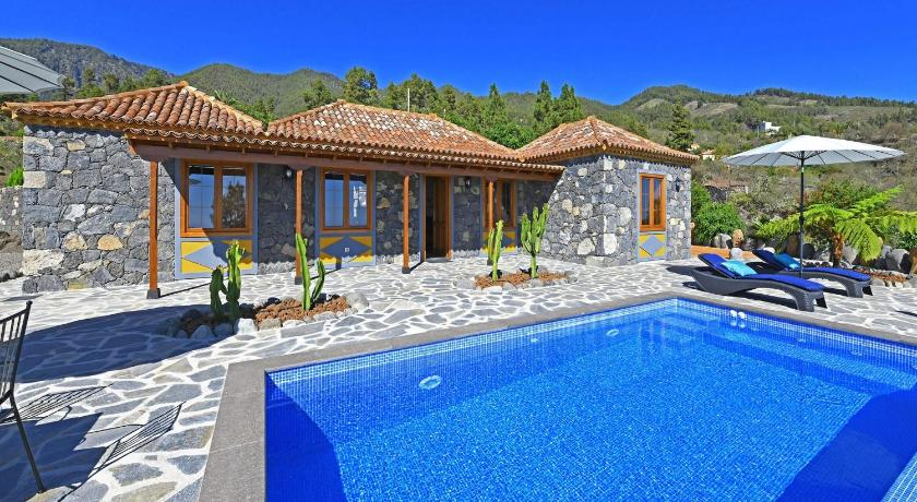 Best time to travel Spain Casa El Vendaval