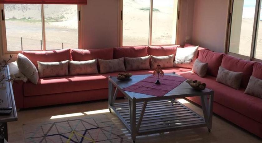 Best time to travel Kenitra Naïma beach house