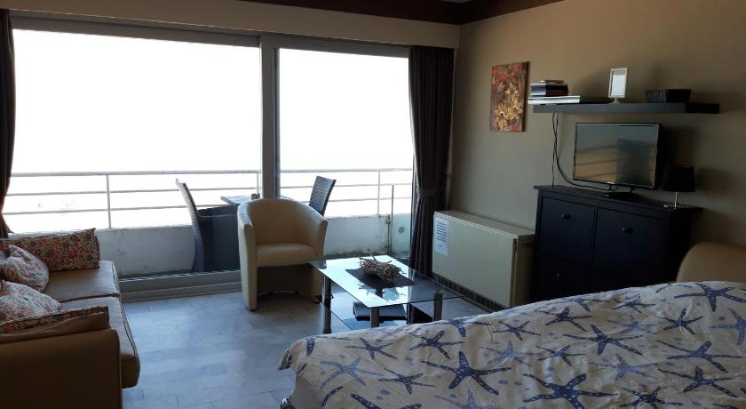 Номер-студио  studio beach- and seaview Blankenberge
