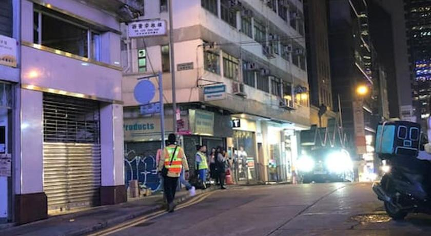 Best time to travel Tsuen Wan Downtown cosy room in Central (mins to station)
