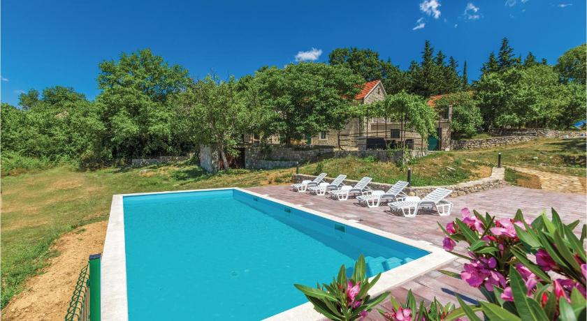 Nice home in Otok w/ Outdoor swimming pool, Outdoor swimming pool and 4 Bedrooms