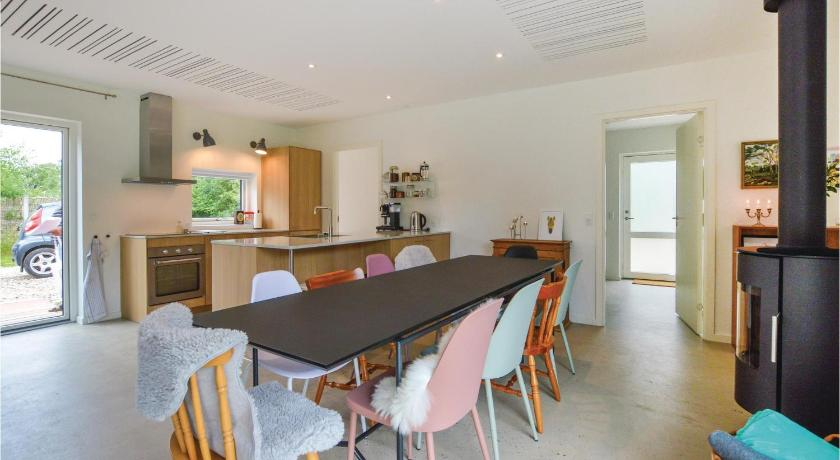 Nice home in Sjællands Odde w/ WiFi and 5 Bedrooms