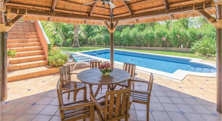 Prázdninový dům Awesome home in Marbella w/ WiFi, Outdoor swimming pool and 6 Bedrooms