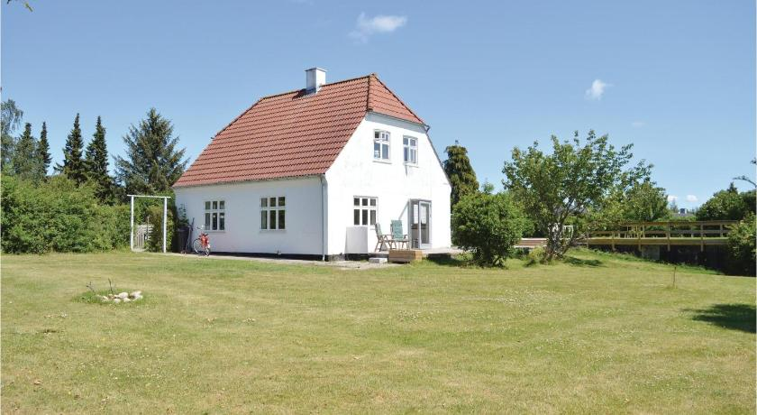 Stunning home in Hornbæk w/ WiFi and 3 Bedrooms