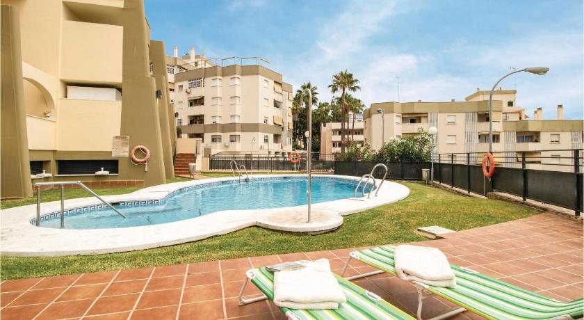 Amazing apartment in Torremolinos w/ WiFi, Outdoor swimming pool and 2 Bedrooms