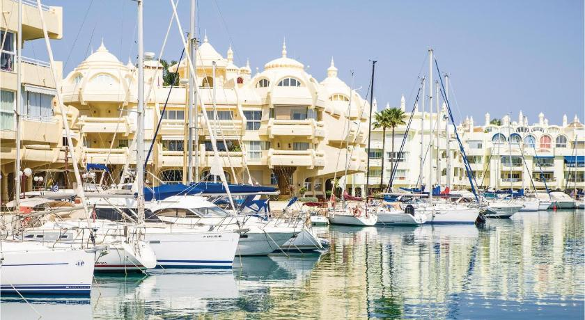 Amazing apartment in Torremolinos w/ Indoor swimming pool, Outdoor swimming pool and 2 Bedrooms