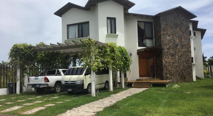 Best time to travel Tela Casa en Indura Beach & Golf Resort