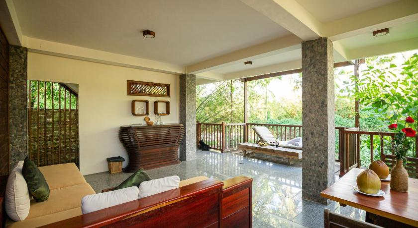 The Moon Villas (The Trang Villas)