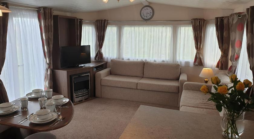 Luxury 3 bed Caravan (sleep 8)
