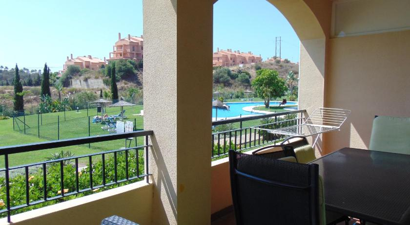 Large 2 bedroom with swimming pool El Faro