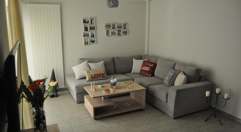 Irene's Apartment in Glyfada near the beach!!