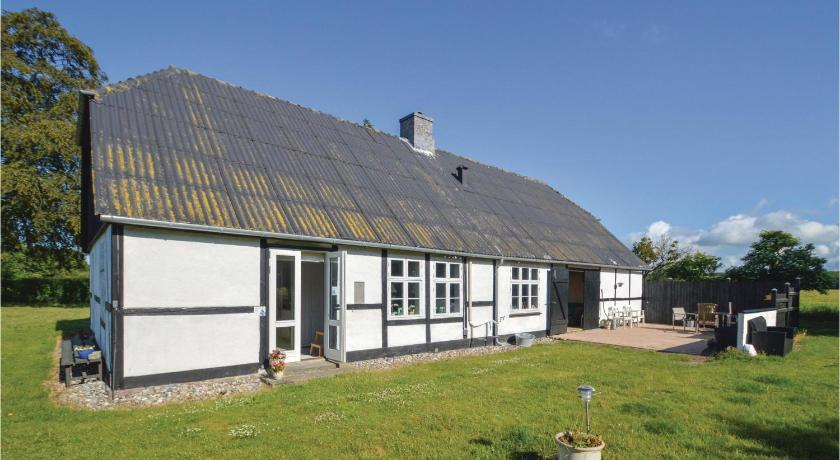 Awesome home in Errindlev w/ WiFi and 2 Bedrooms