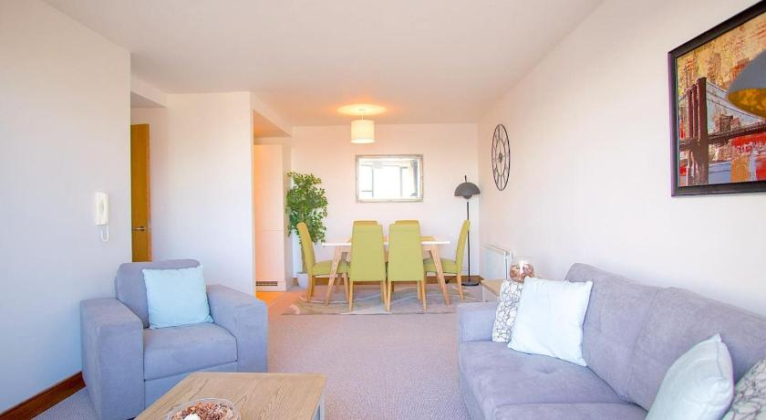 VP City View Apartment: (2 bed / 2 Bath)