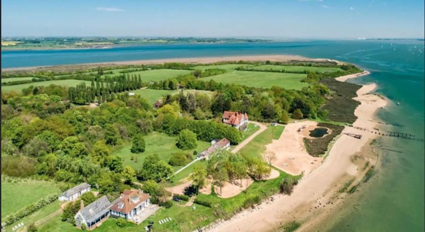 The Beehive, Osea Island, 2 bedrooms, 4 guests