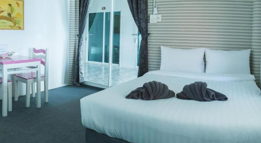 Queen Room with Sea View Ha Long Re Koh Larn