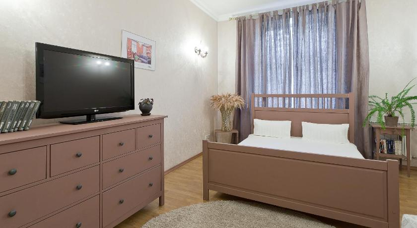 Two-Bedroom Apartment - Prospekt Nezavisimosti, 83