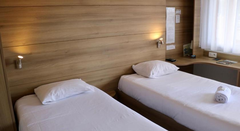 Twin Room Couett' Hotel Loudeac