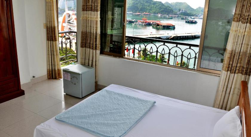 Private Balcony Hotel in Cat Ba Island - Room Deals, Photos & Reviews