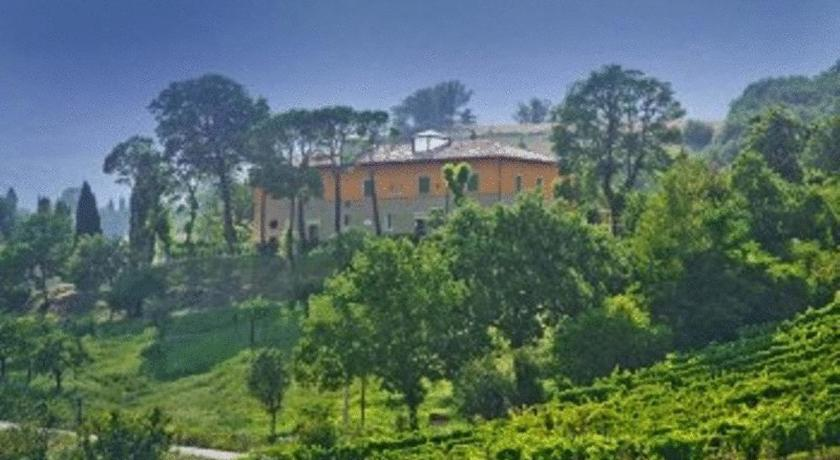Best time to travel Italy Relais Villa Fornari