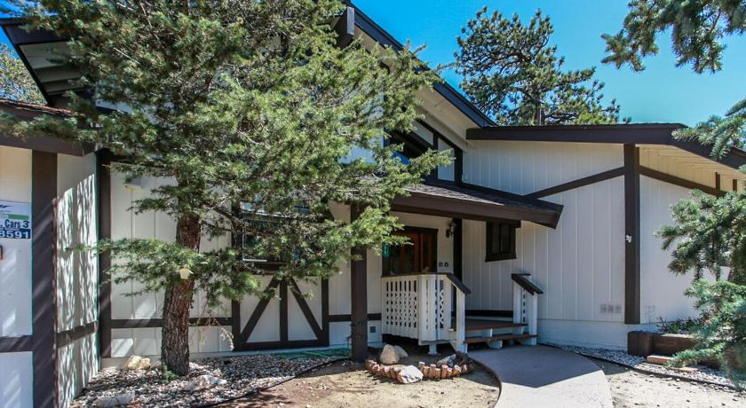 Mountain Top Retreat-1834 by Big Bear Vacations