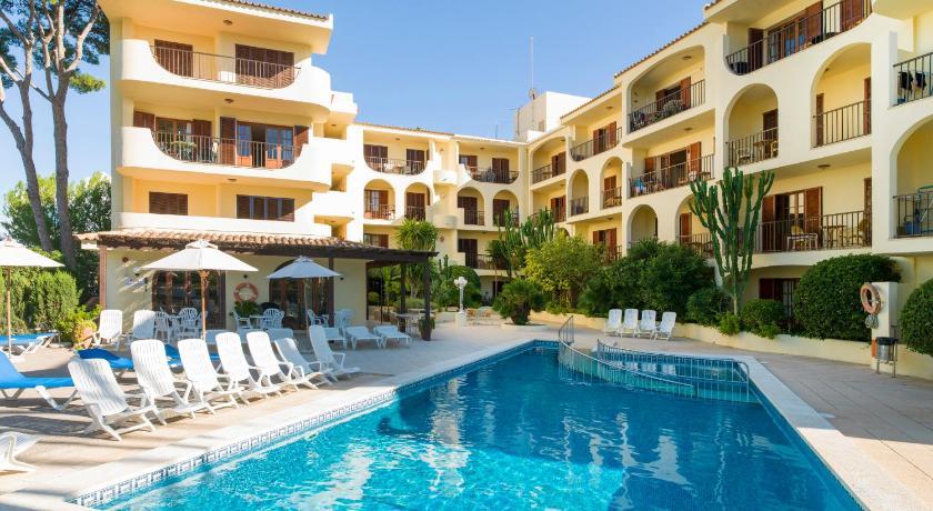 Best time to travel Spain Delfin Casa Vida