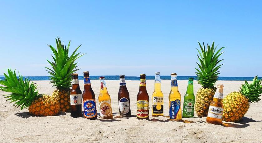 Best time to travel Honduras Bayside Inn