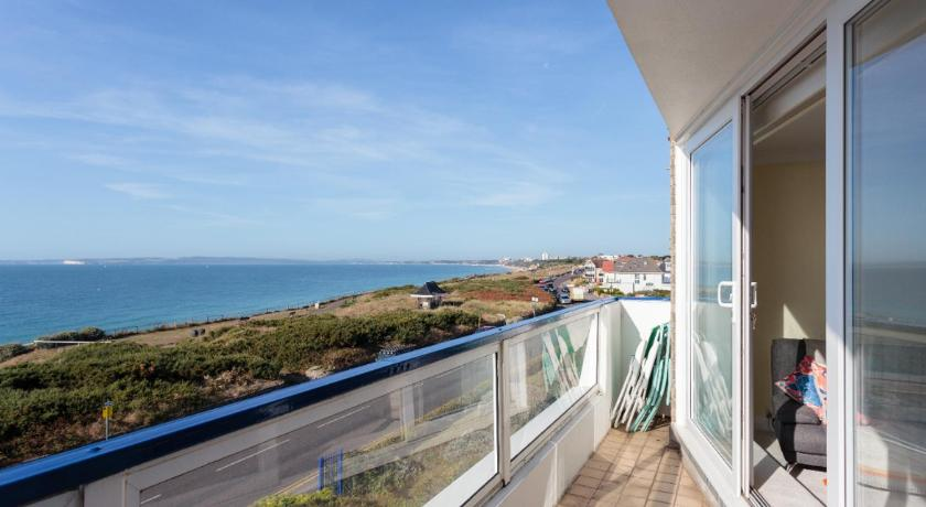 'Coastal Views' Apartment at Southbourne