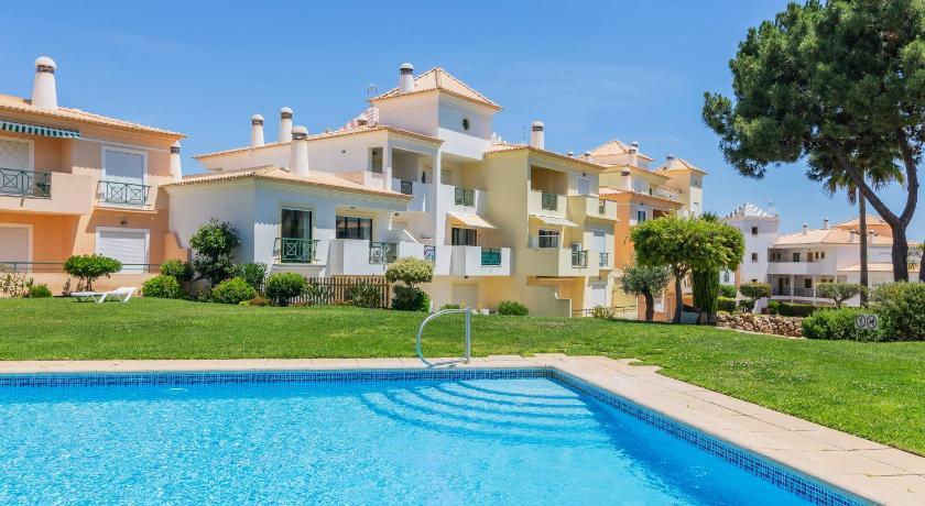 Condominio Jardins Santa Eulalia by Garvetur Apartment ...