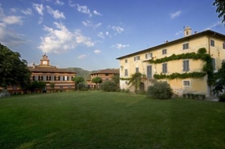 Best time to travel Italy Fattoria di Camporomano