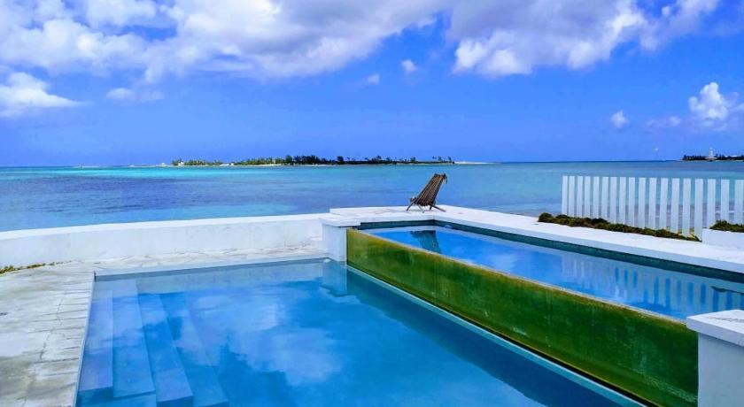 Best time to travel Nassau Beach House Hostel