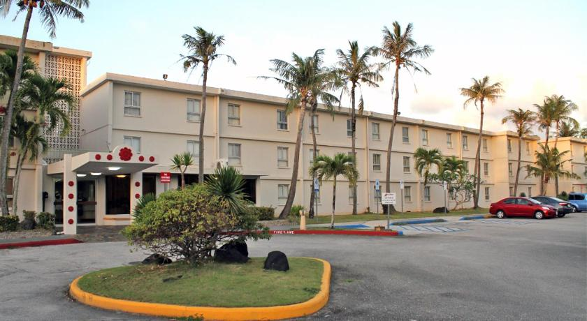 Best time to travel Guam Mai'Ana Airport Plaza