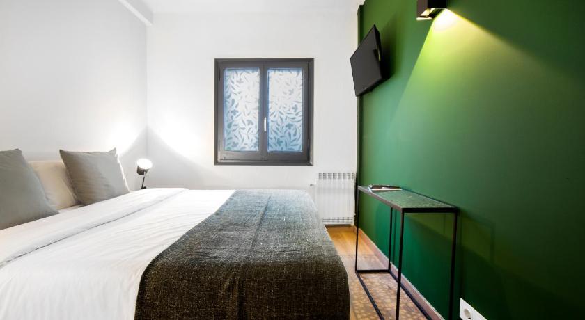 Best time to travel Les Escaldes Glaner Hotel Cafe