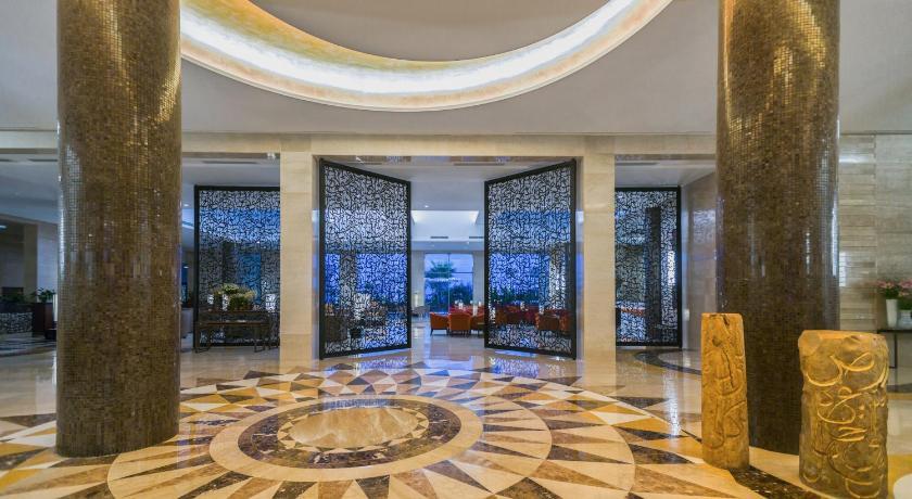 Best time to travel La Goulette Mövenpick Hotel du Lac Tunis