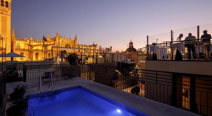Eme Catedral Hotel Alemanes 27 Seville