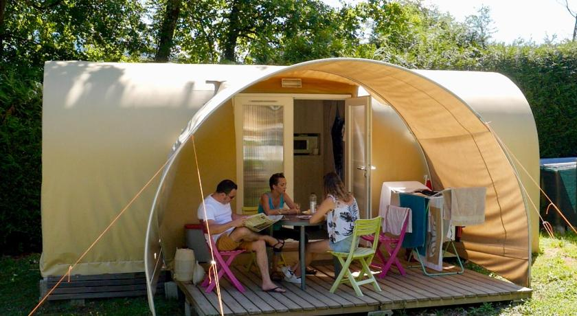 Two-Bedroom Bungalow Camping Le Verger Fleuri