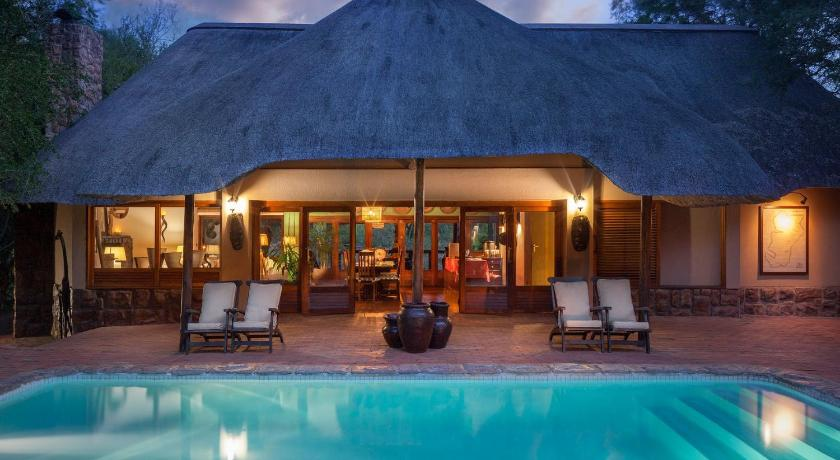 Thornybush Serondella Game Lodge