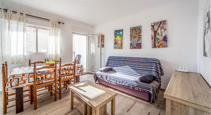 Beautiful apartment in Peniscola w/ WiFi and 3 Bedrooms