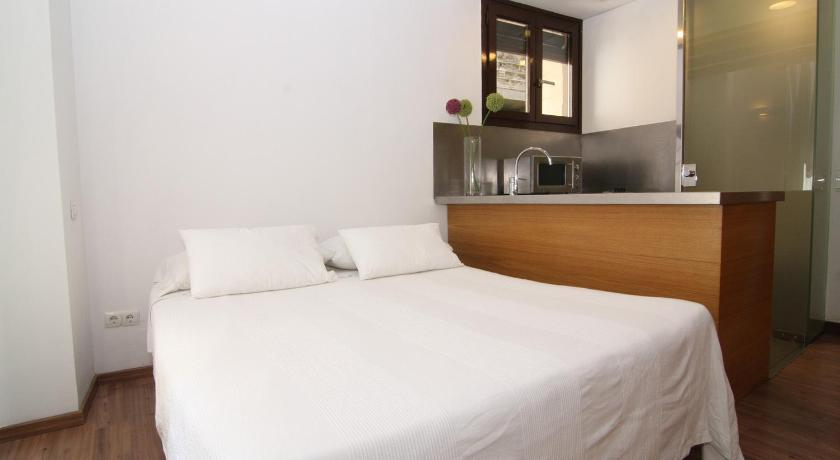 BCN2STAY Apartments - Barcelona