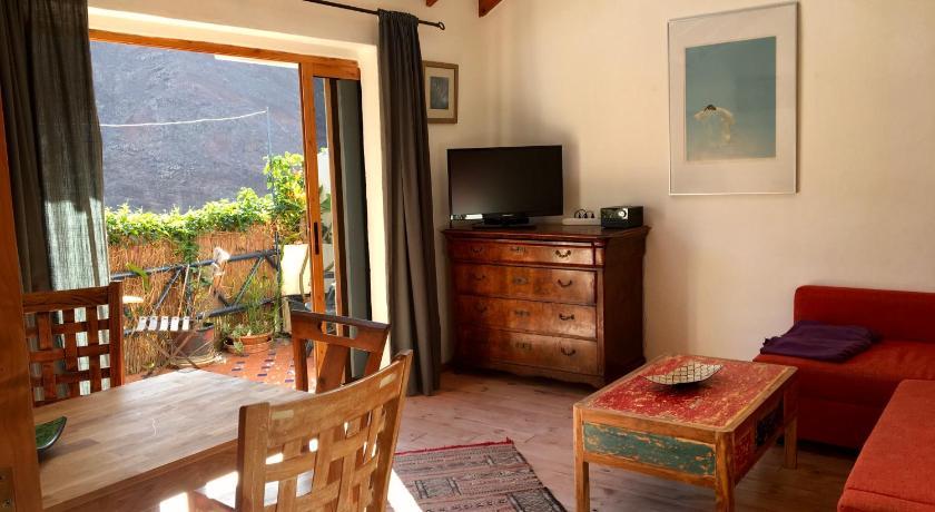 Best time to travel La Gomera Casa Mia