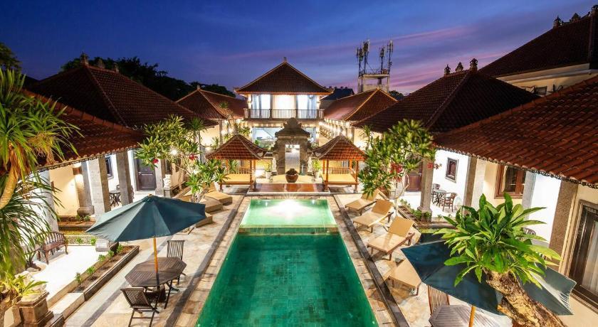 Fasilitas kolam renang di Grand Yuma Bali Hotel and Villa
